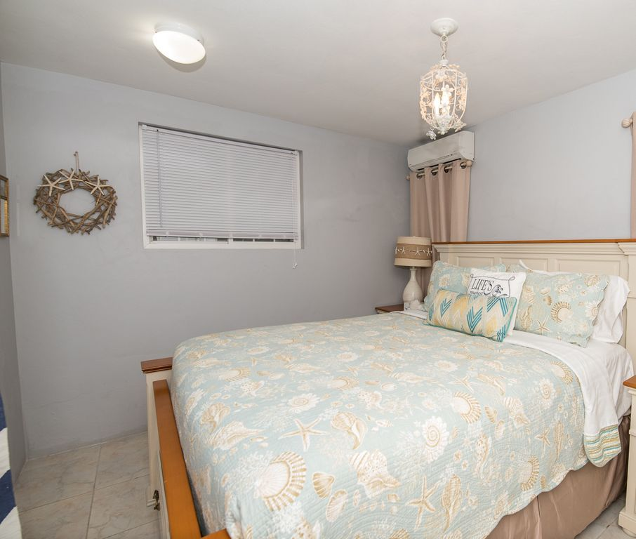 Guest bedroom has ensuite bathroom and is off the games room.
